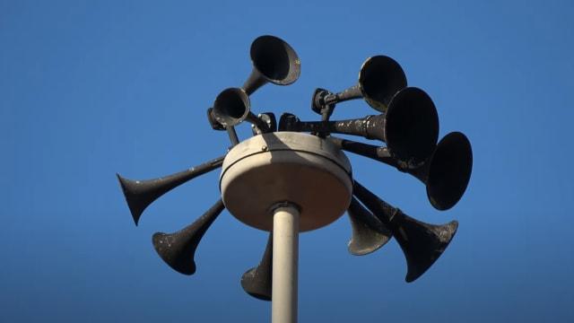 Jeweils am ersten Mittwoch im Februar ertönen in der Schweiz die Sirenen zum Test. Hornen die Sirenen zu einem anderen Zeitpunkt, gilt es, richtig zu handeln. Sind Sie bereit?