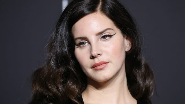 In honor of Lana Del Rey's birthday, it's time to find out if you can finish some of her Lyrics. Ready for the ( video ) game ?