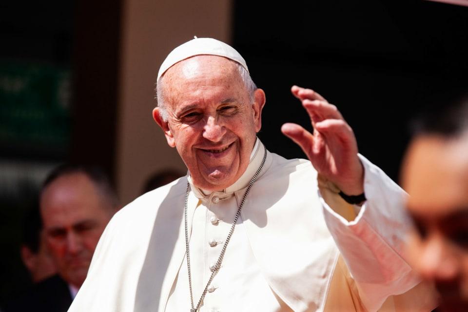 El Papa Francisco viajará en marzo de 2021 a Irak. La visita se realizará entre los días 5 al 8 y vistará además de la capital,Bagdad,   Erbil, Mosul,  Qaraqosh  y Nínive.  Se trata de un viaje apostólico de cuatro días a un destino muy deseado por el Pontífice y supone un gesto de cercanía a un país que ha sufrido el horror de la guerra. Es además el primer viaje internacional desde finales de 2019.