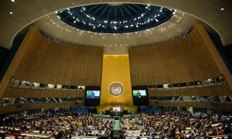 """La XXVI Conferencia de las Partes de la Convención Marco de Cambio Climático de la ONU, la conocida como COP26, se celebrará finalmente del  1 al 12 de noviembre de 2021 en Glasgow,  Escocia,  después de que la  pandemia obligara a aplazar la fecha fijada para noviembre pasado.Precisamente sobre covid y COP26 ha hablado su presidente, Alok Sharma, quien recordaba que pese al virus,   no se debería de perder de vista el """"enorme reto"""" del cambio climático."""