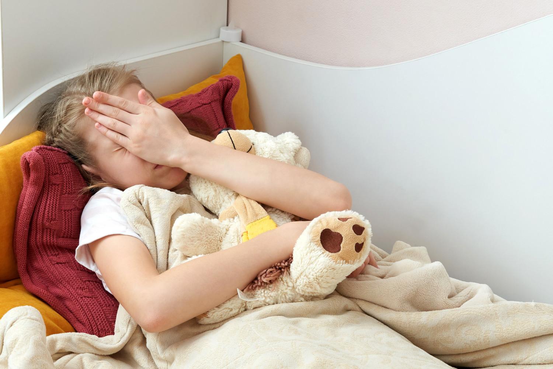 Uyanmak istemeyen kız çocuğu